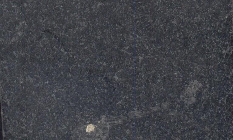 Negro Absoluto Oriental M902