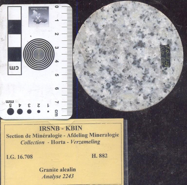 H882 alkali graniet.jpg