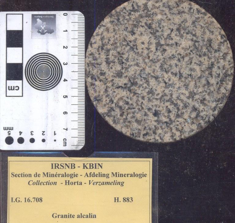 H883 alkali graniet.jpg