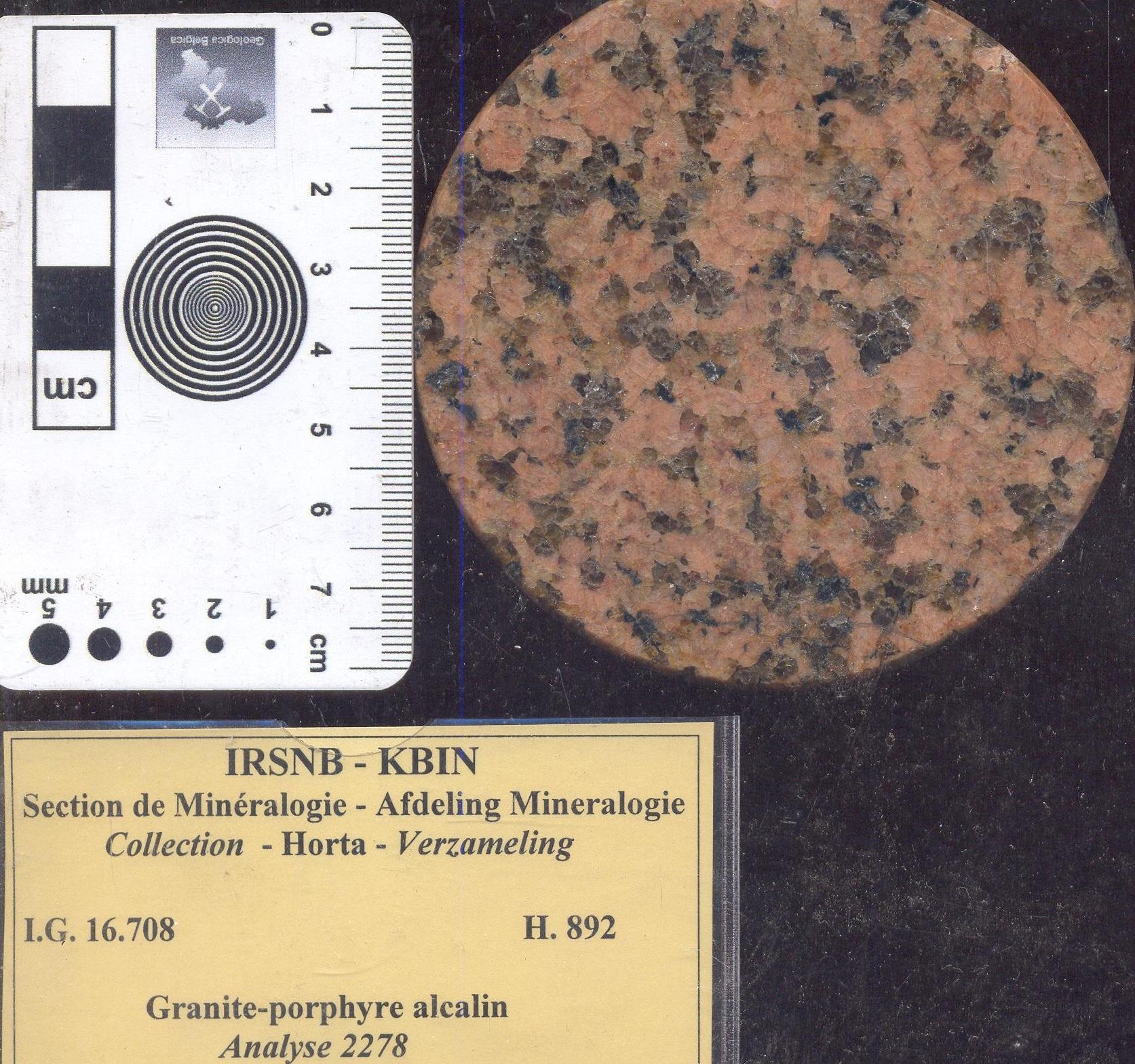 H892 alkali graniet porfier.jpg