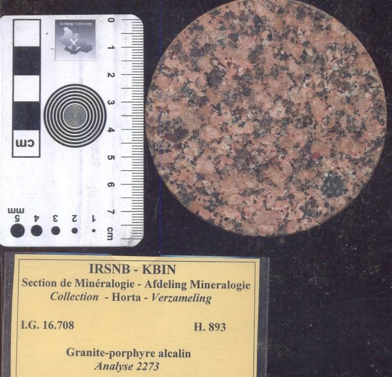 H893 alkali graniet porfier.jpg
