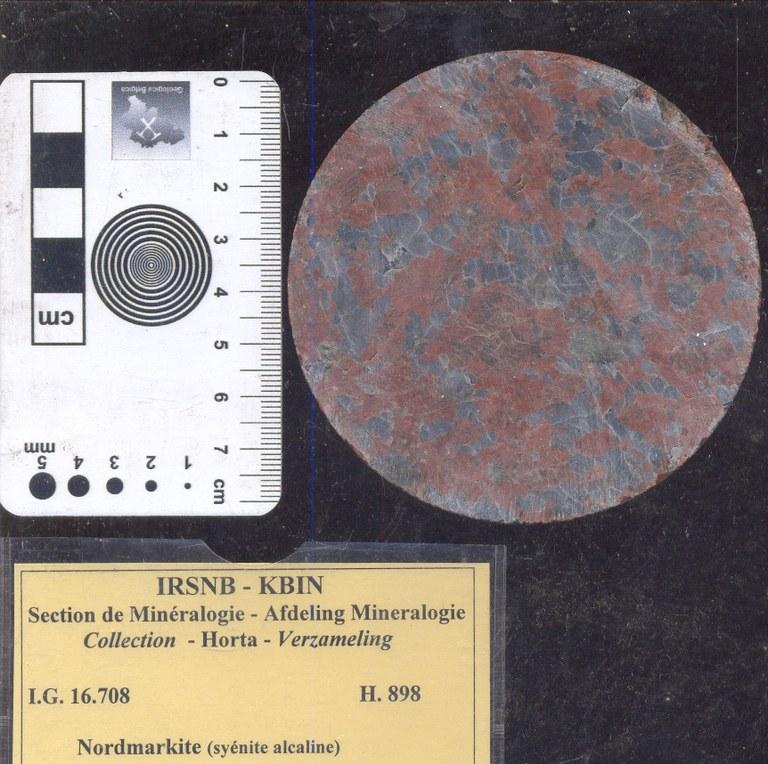 Syenite nordmarkiet alkali H898